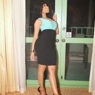 Nicki-Minaj-In-Fausto-Puglisi-Dress-And-Versace-Shoes-TractHer-TrailHer-3