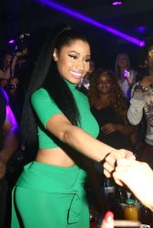 nicki-minaj-performs-during-a-party-at-club-79-in-paris-sept.-2014_7