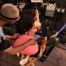 nicki-minaj-wearing-lingerie-for-myx-fusions-moscato-commercial-shoot_8